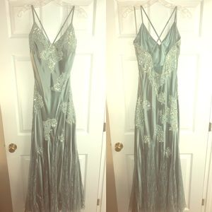 Cocktail/prom/formal dress! Only worn once!